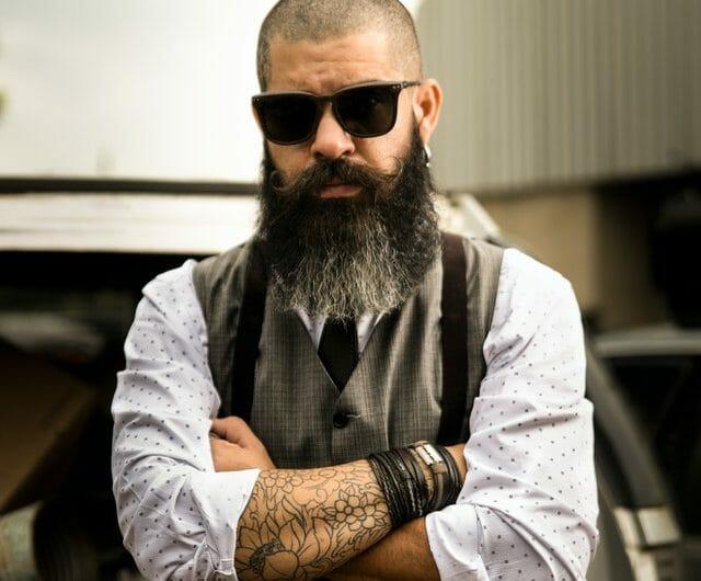 Tendance : lisseur de barbe ou huile à barbe